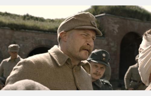 Äimälä (Karri Miettinen) ja Alfred Nyborg (Paavo Kinnunen). Kuva: Inland Film Company Oy.