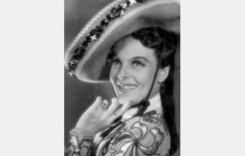 Doña Camilla Maria Teresa  Escajadillo (Regina Linnanheimo).
