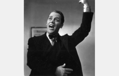 Herra Lahtinen (Fritz-Hugo Backman).