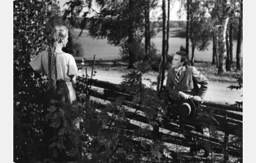 Ansa Ikonen ja Ekke Hämäläinen.