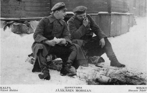 Jääkärikorpraali Kalpa (Väinö Hukka) ja  jääkäri-hevosmies Mikko (Hannes Närhi).