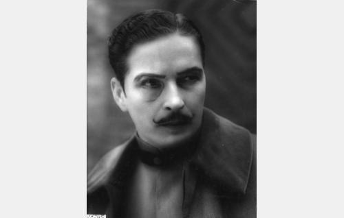 Paroni Lichtenstein alias Merovits (Erkki Uotila).