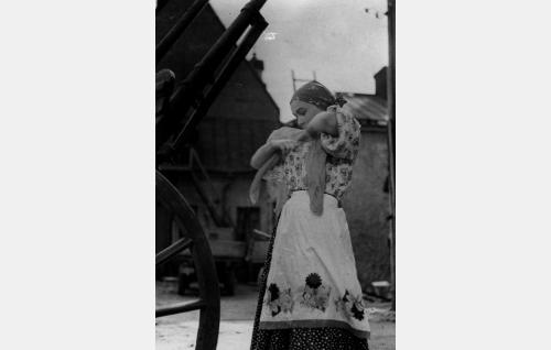 Marusja, tarjoilijatar (Tuli Arjo)