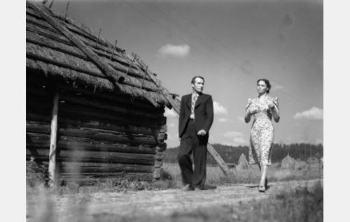 Gunnar Hiilloskorpi ja Mirjami Kuosmanen.