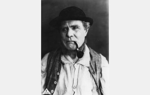 Aholan Antti (Waldemar Wohlström).