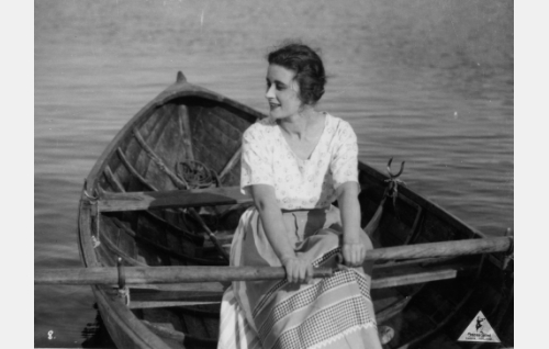 Kirsti, Eerikin morsian (Irja Lindström).