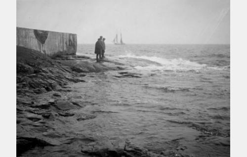 Laajasalon öljysataman ranta