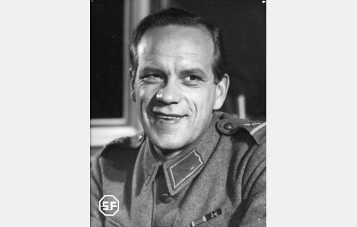 Einari Ketola.