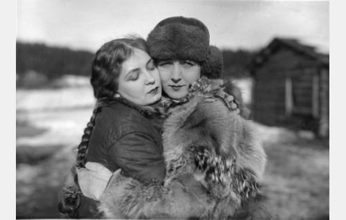 Kaisa Leppänen ja Heidi Blåfield-Korhonen