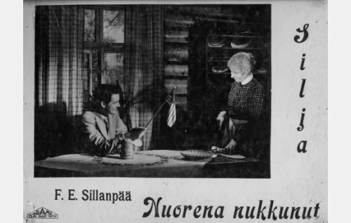 Armas (Otso Pera) vierailee Sofia-tädin (Elli Ylimaa) mökissä.