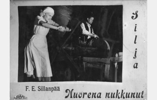 Silja (Regina Linnanheimo) ja Nukarin isäntä (Aku Peltonen).