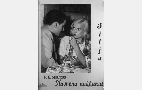 Otso Pera ja Regina Linnanheimo.