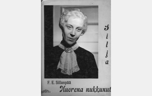 Sofia-täti (Elli Ylimaa).