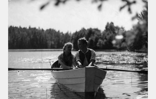 Eija Inkeri ja Sakari Halonen.
