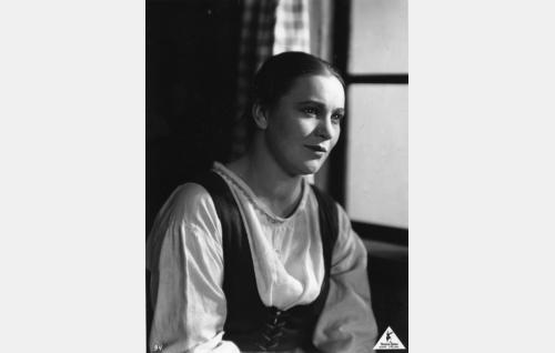 Liisa (Aino Lohikoski), Jussin rakastettu. Rooli oli Aino Lohikosken ensimmäinen.