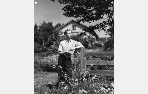 Kujanpään Elias (Pertti Weckström).