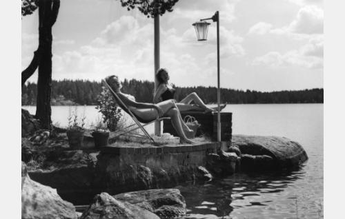 Teija Sopanen ja Eija Karipää.