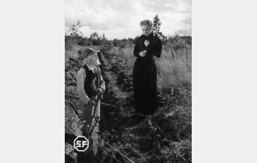 Toppo Elonperä ja Ansa Ikonen.