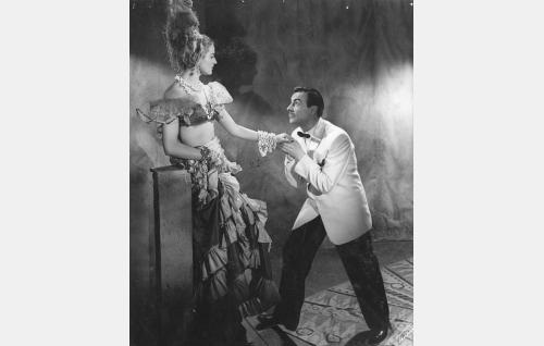 """Carmen Conchita (Assi Nortia) ja Don José, """"Valkoinen Kuolema"""" (Ville Salminen)."""