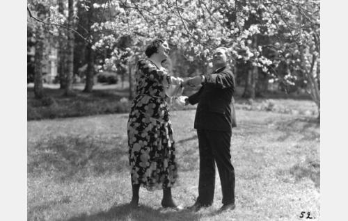 Glory Leppänen, Waldemar Wohlström