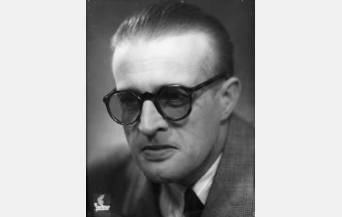 Vakoilupäällikkö J. Rosenberg,