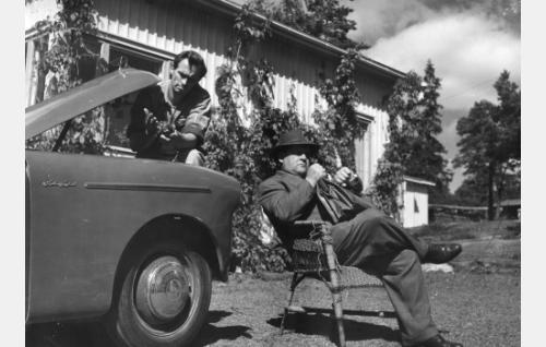 Tapio Rautavaara ja Ossi Elstelä.