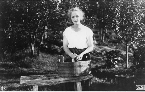 Elsa (Heidi Blåfield-Korhonen).