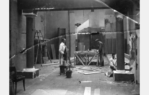Suvista satua rakennetaan marraskuussa 1924.