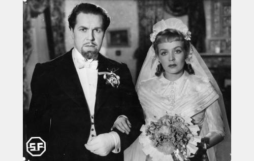 Edvin Laine ja Helena Kara.