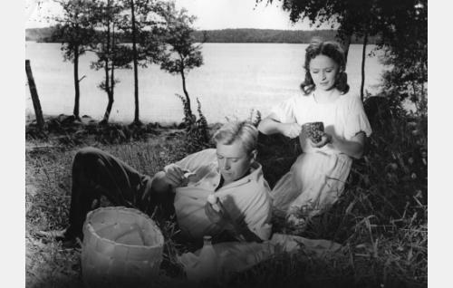 Sakari Jurkka ja Marjatta Kallio.