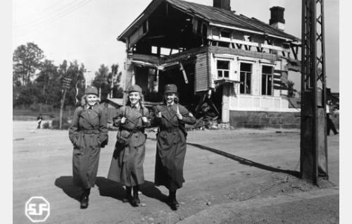 Laila Rihte, Ansa Ikonen ja Kyllikki Forssell.