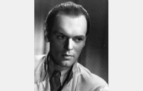 Alilääkäri Alec von Wentell (Leif Wager).