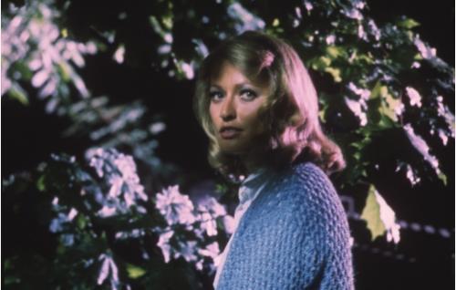 Vaalea nainen (Jaana Raski) Martin Borgin kuvitelmissa.
