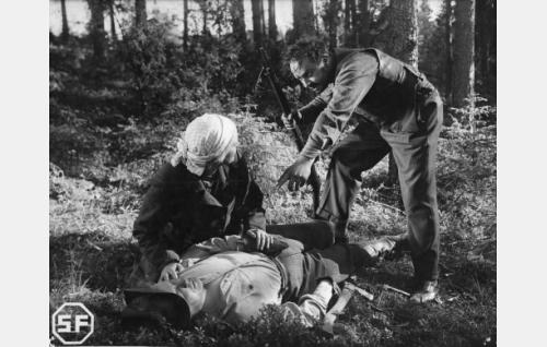 Eino Kaipainen, Kaisu Leppänen ja Kaarlo Angerkoski.