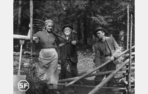 Kaisu Leppänen, Aku Korhonen ja Eino Kaipainen.