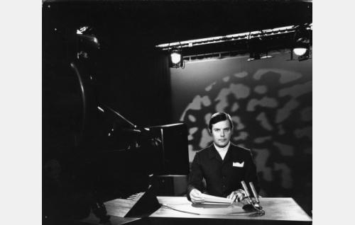 TV:n uutistoimittaja Heikki Kahila (Heikki Kahila)