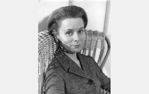 Rouva Margit Koski (Kyllikki Forssell).