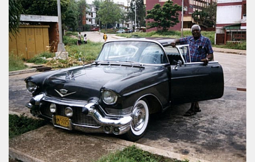 George McCatty ja mafiapomo Lanskylle kuulunut Cadillac.