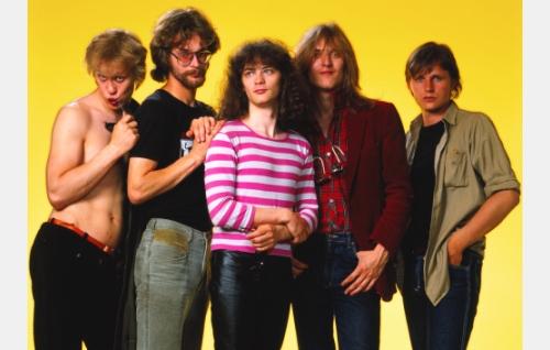 Martti Syrjä, Aku Syrjä, Juha Torvinen, Pantse Syrjä ja Mikko Nevalainen. Kuva: Markku Mäkinen (v. 1984).